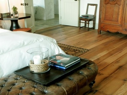 bed room hardwood flooring